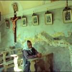 Bäuerin in einer Kapelle, 1980er Jahre